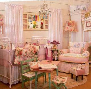 Habitación rosa para bebé