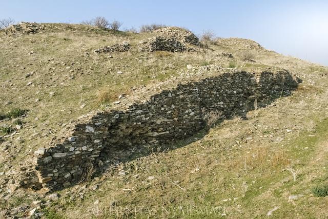 paramentos de mampostería correspondientes a la muralla medieval