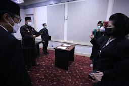 Abdul Hayat Gani Lantik Dua Pejabat Fungsional Jenjang Utama di Pemprov Sulsel