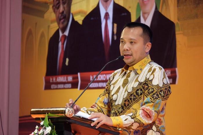 Gubernur Ridho Sampaikan Kajian Akademik Pada Rakernas Adeksi di NTB