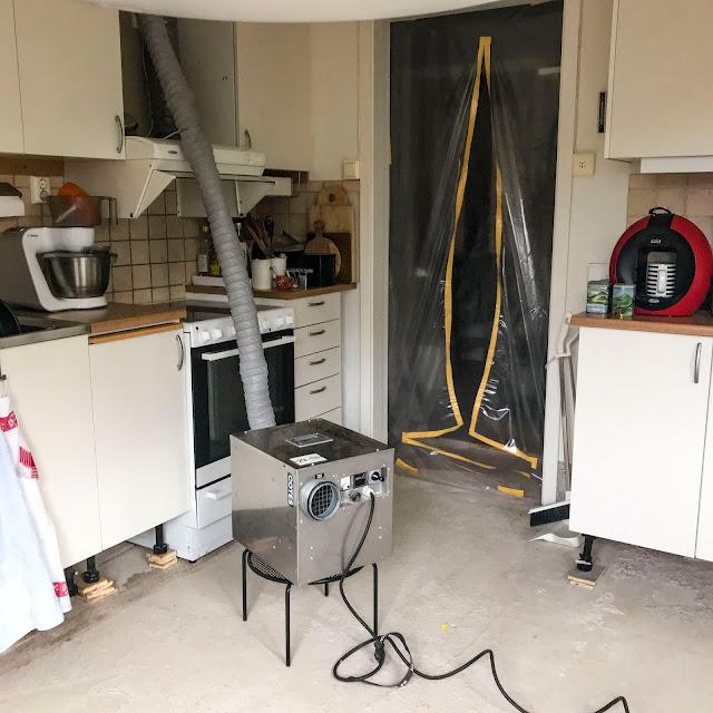 kitchenfloor, köksgolv, vattenskada, byggfläkt