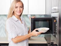 Keuntungan dan Kerugian Memakai Microwave Menurut Ahli Teknologi Pangan dan Gizi IPB