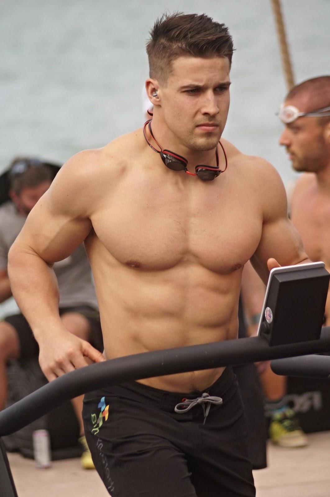 sexy-barechest-fit-muscle-jock-pecs-running-outdoor
