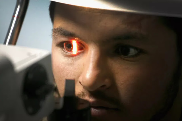 Google's new AI algorithm predicts heart disease by looking at your eyes