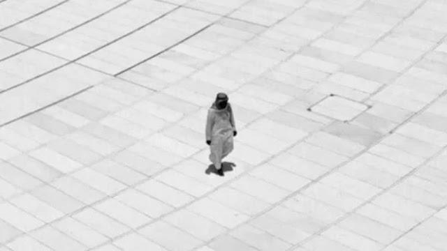 Kuasa Allah, Sejak 20 Tahun Lalu Pria Ini Ditafsir Tawaf Sendirian di Ka'bah