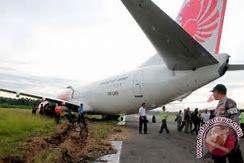 Lion Air Tergelincir di Gorontalo 4 penumpang pingsan