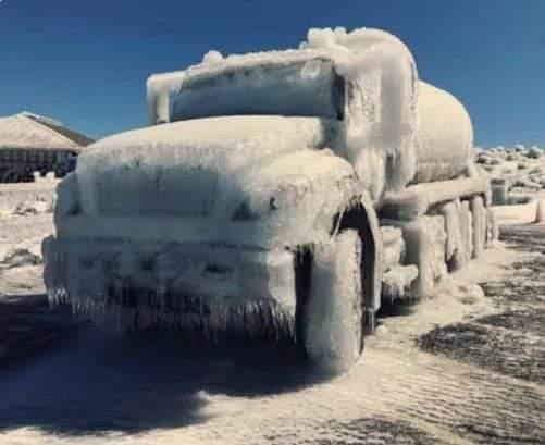 Historia tormenta congelo carros en hawai.