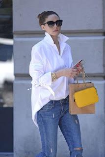 Outfit con borsa gialla