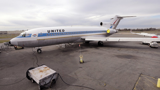 United Airlines Boeing 727 N7001U