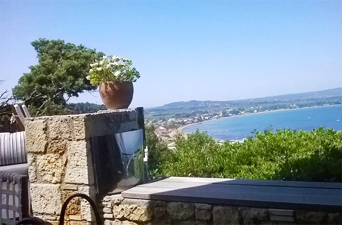 Θέα στη θάλασσα, από το βουνό στο Κατάκολο