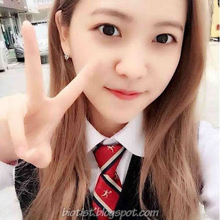 Red Velvet Yeri Selca Photos
