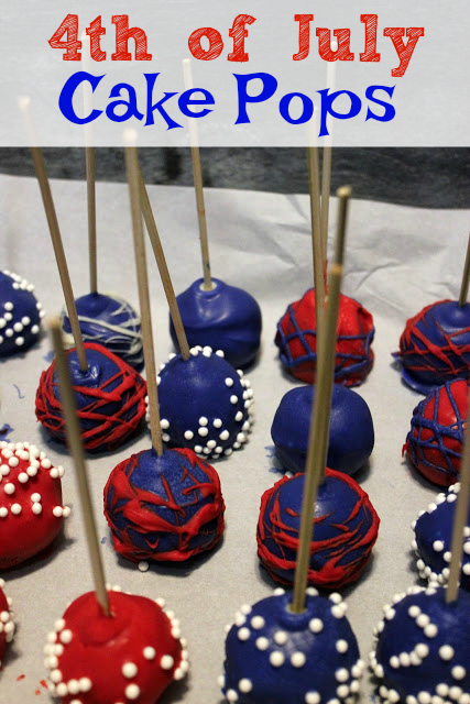 These brilliant red, white, and blue cake pops are easy to make and fun to eat! Make them for your next Independence Day or 4th of July party!