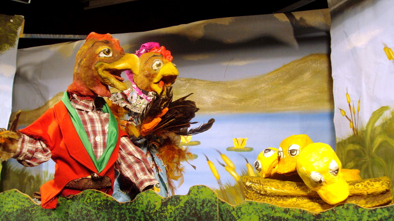 Η παράσταση κουκλοθέατρου «Το Ασχημόπαπο» στο Μουσείο Μετάξης Σουφλίου