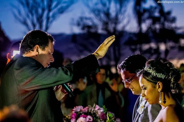 cerimônia - altar - casamento ao ar livre - noivos - benção