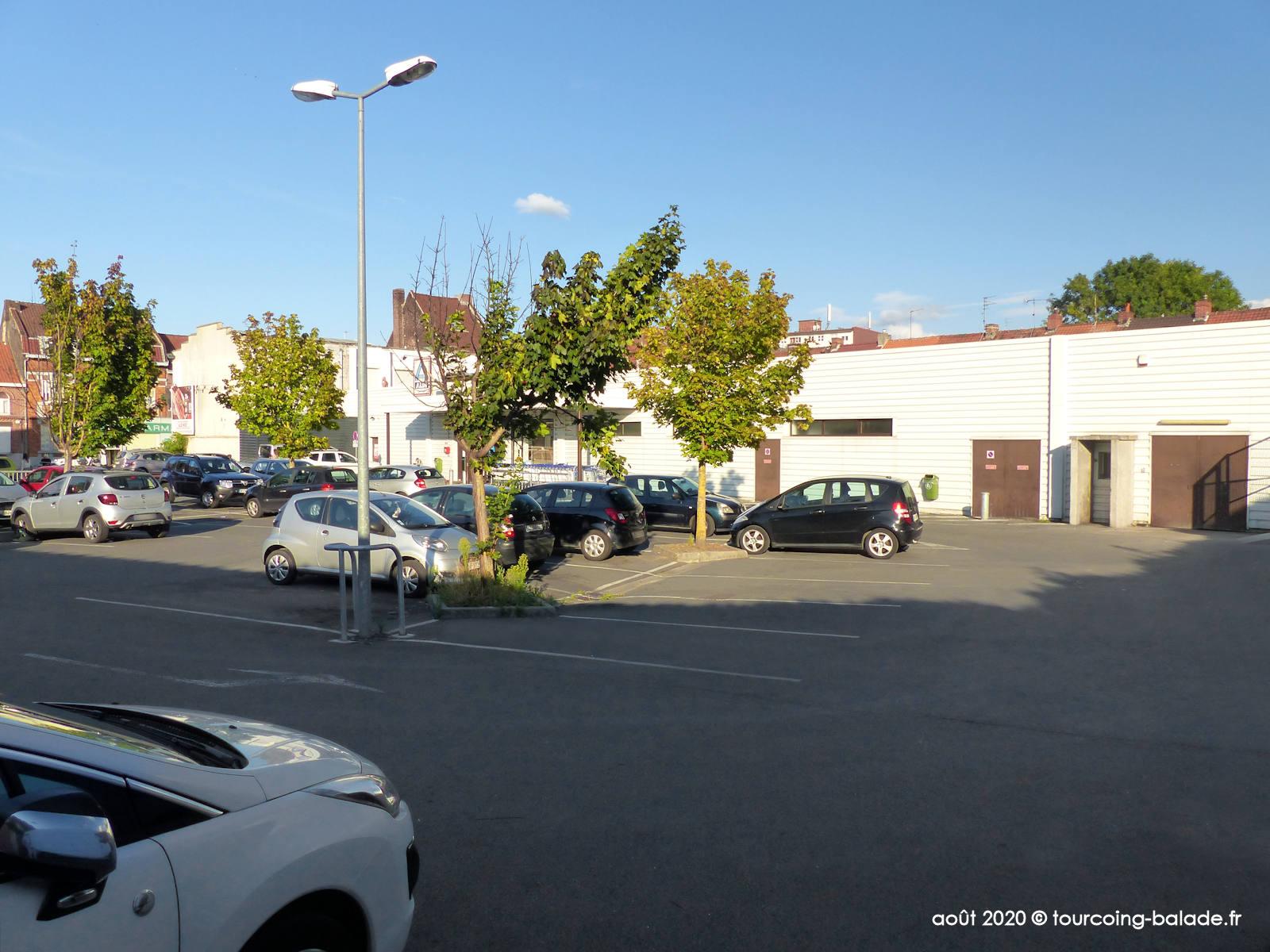 Parking Aldi Brun Pain, Tourcoing 2020