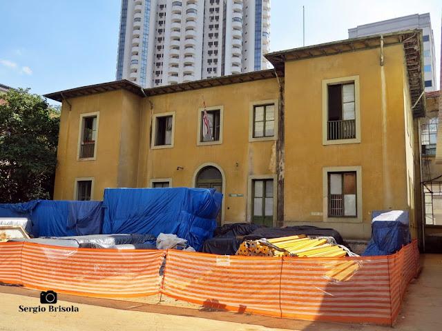 Vista ampla da edificação da administração do antigo Hospital Umberto I - Bela Vista - São Paulo