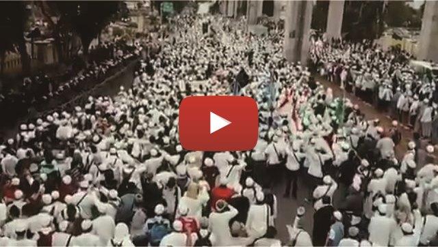 Ini Video Penampakan Puluhan Ribu Umat Islam Yang Lakukan Aksi Longmarch Ke Mabes Polri