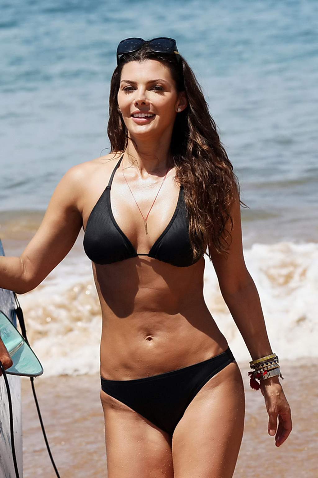 Ali Landry shows wet black bikini pokies ~ Mybar