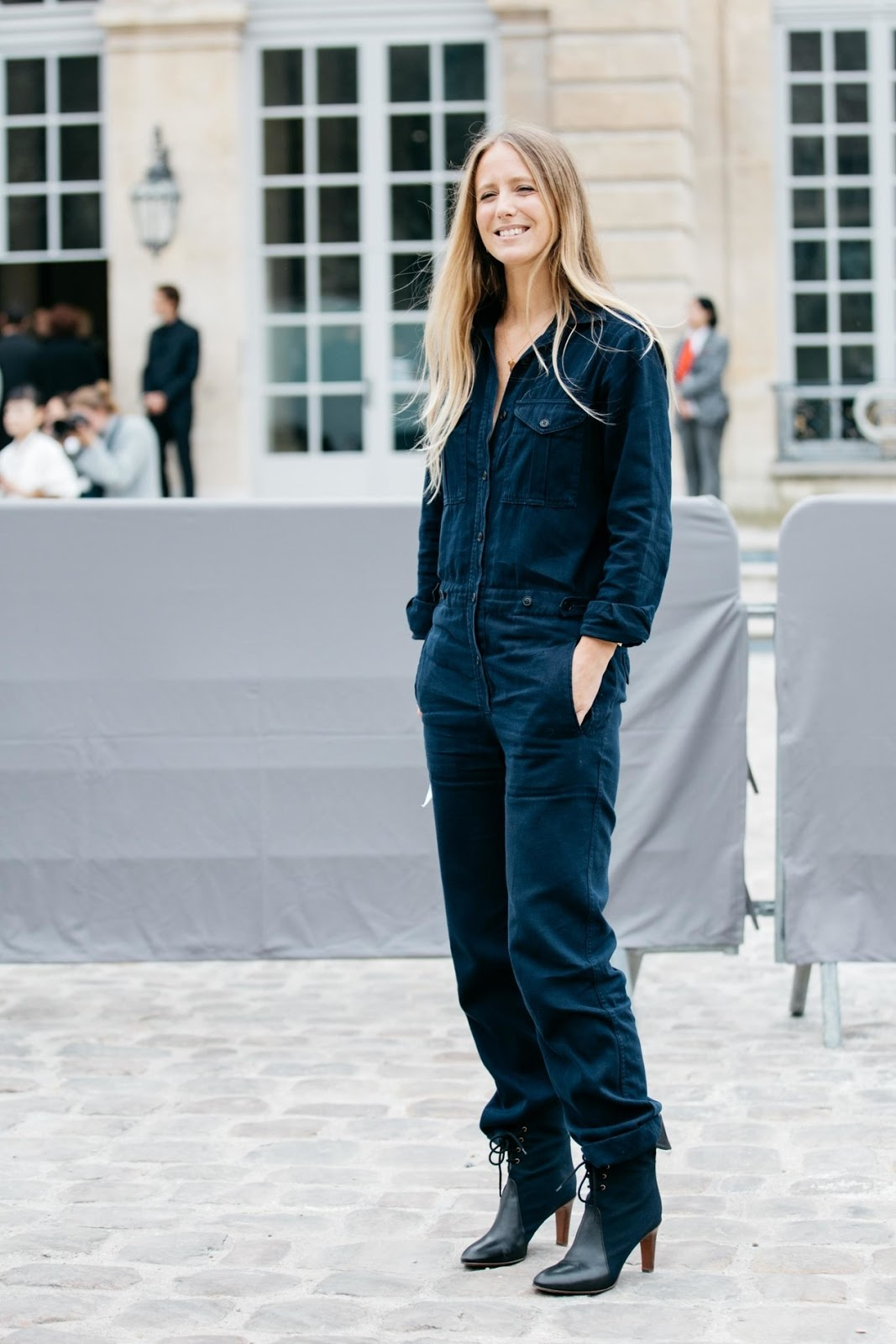 Style Inspiration: The Parisian Way to Wear this Chic Spring Trend