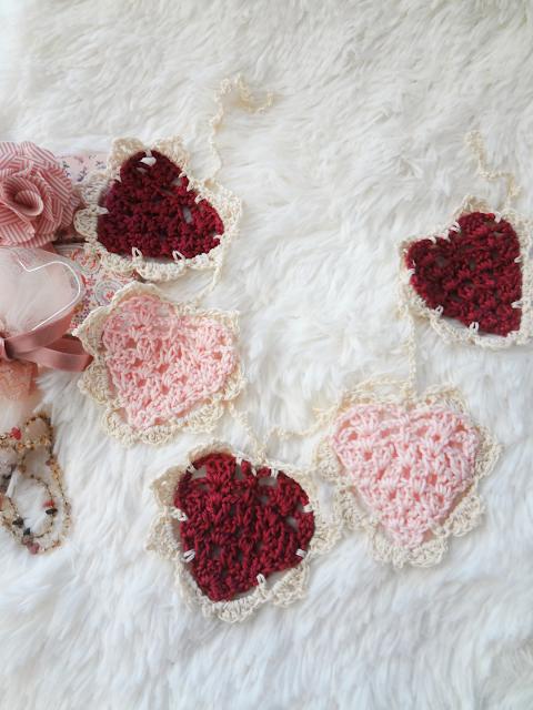 Vintage Crochet Heart Bunting – free pattern