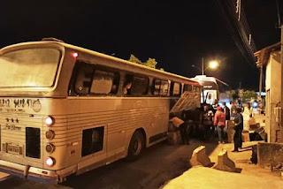 Ônibus com 92 passageiros de SP