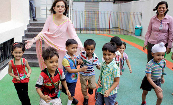 school-where-bollywood-star-kid-goes-to-learn-and-know-all-about-nita-ambani-dhirubhai-ambani-international-school