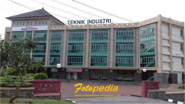 Kampus Teknik Industri Undip
