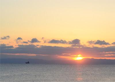 北海道 津軽海峡 朝日