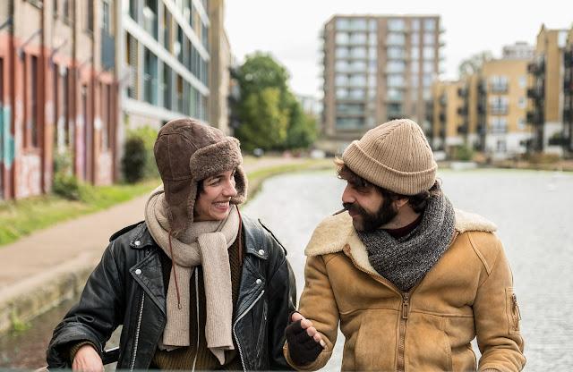 Natalie Tena y David Verdaguer en un momento de la película Tierra Firme (2017)