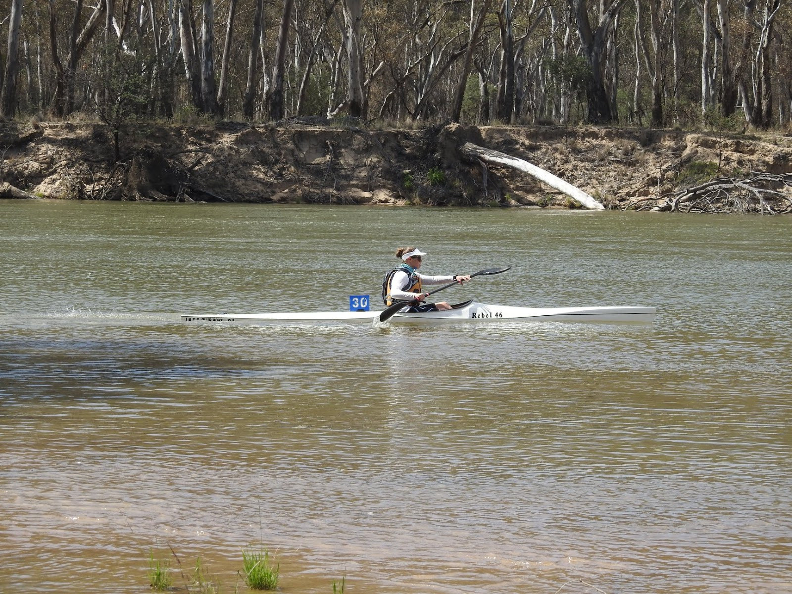 Nicole Tattersall Kayaking on the Murray River Victoria / New South Wales