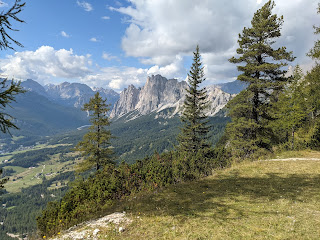 View from Dolomieu trail north toward Cristallo Group.