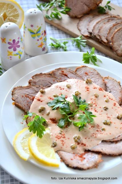 cielęcina w sosie tuńczykowym , cielęcina w sosie z tuńczyka , mięso pieczone , sos tuńczykowy , tuńczyk , sos rybny , przekąski , przekąska , przystawki , kuchnia włoska