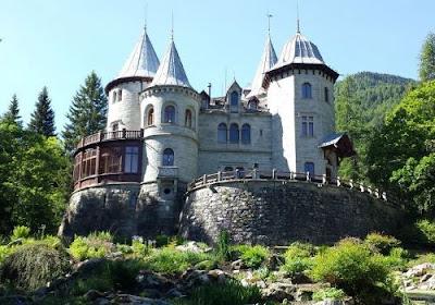 Il bellissimo Castel Savoia di Gressoney Saint Jean - Blog di viaggi travel e turismo