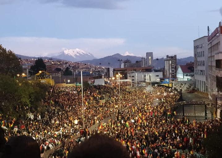 Multitud concentrada en La Paz exigió nuevas elecciones y relevo del TSE / GIGAVISIÓN / DETRÁS DE LA VERDAD