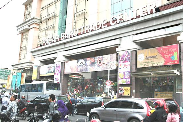 Sepatu wanita murah Bandung dijual di Pasar Baru Trade Center