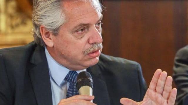 """Fernández reiteró que el Estado debe """"regular servicios públicos para proteger al usuario"""""""