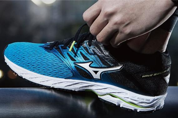 new style 78d8d e38f2 RUNNING WITH PASSION: MIZUNO WAVE SHADOW 2: Lightweight ...