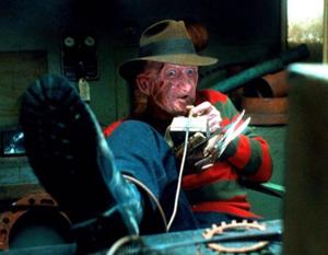Freddy jugando a videojuegos