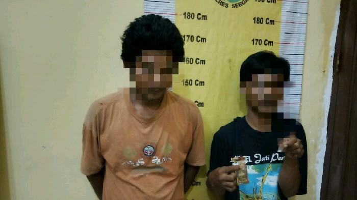 Dua Sekawan 'Apes' Baru Beli Sabu,  Diciduk Polisi
