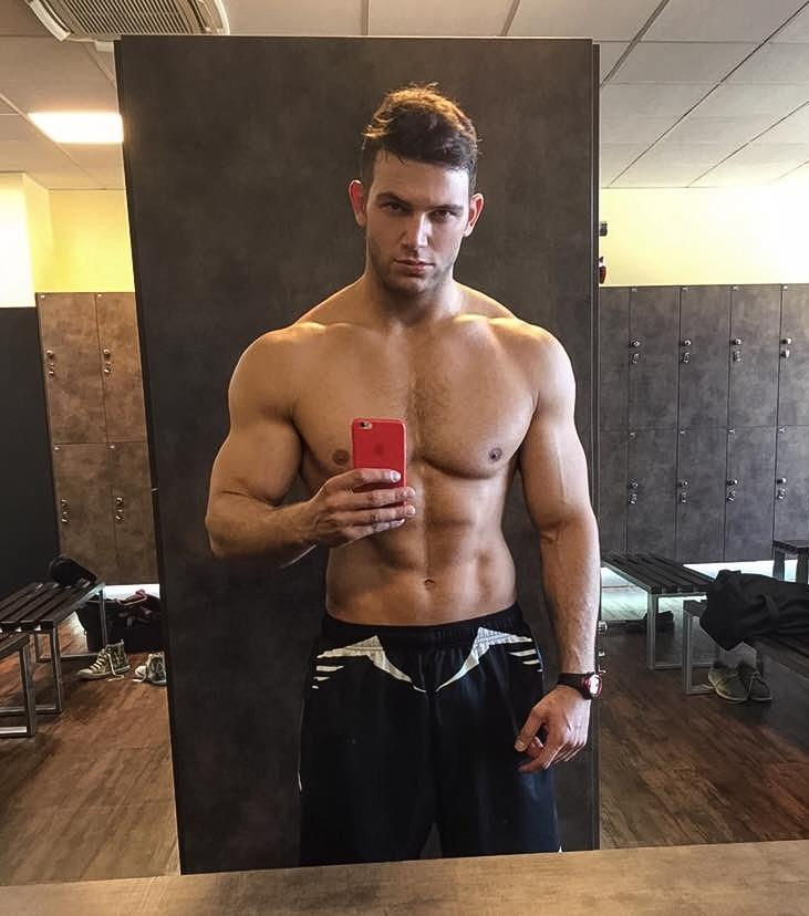 sexy-mad-dangerous-bad-boy-shirtless-fit-body-gym-locker-room-mirror-selfie