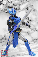 S.H. Figuarts Kamen Rider Blades Lion Senki 18