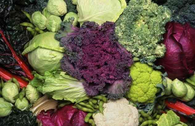 ملفوف و بروكلي و قرنبيط و كالي ، والمزيد من هاته الخضراوات الخفيفة