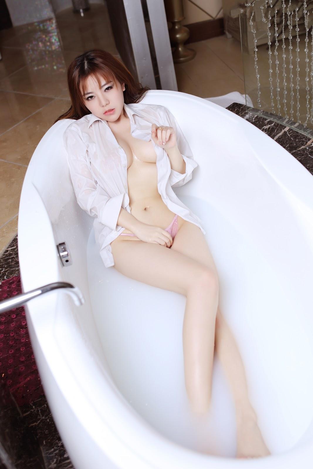 %2529%252B%252B%25C2%25A6%25C2%25B7 19 - TGOD Sexy Nude FAYE