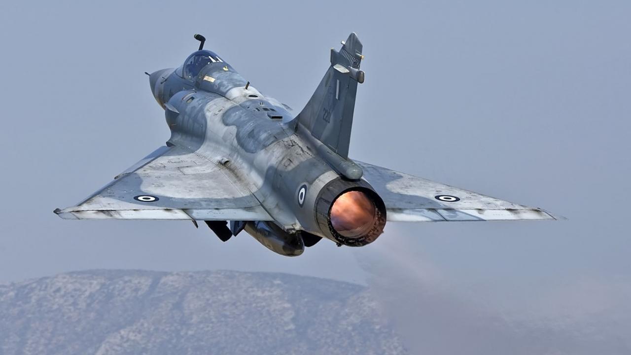 Οργισμένη παραίτηση του δ/κτή των Mirage 2000:Δεν έχω αεροσκάφη και με αναγκάζουν να εξυπηρετώ μετανάστες!