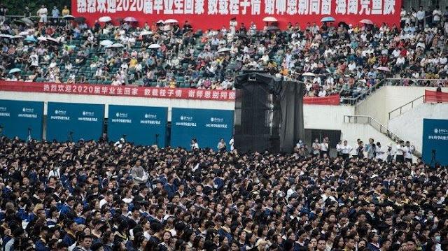 Covid-19 di RI 'Meledak', Wuhan Justru Gelar Wisuda 11.000 Pelajar Tanpa Masker dan Jaga Jarak