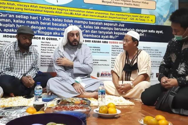 Lihat Sosok Pelaku, Syekh Ali Jaber Temukan Sejumlah Kejanggalan dari Penusukan yang Dialami