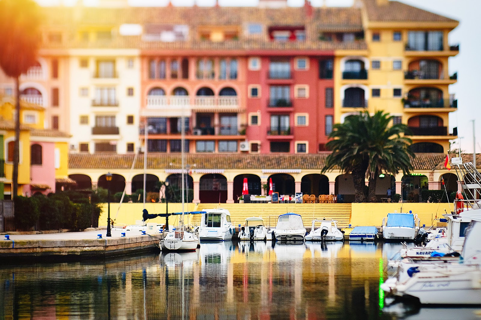 Lensbaby edge 80 image of little Venice in Valencia by Willie Kers