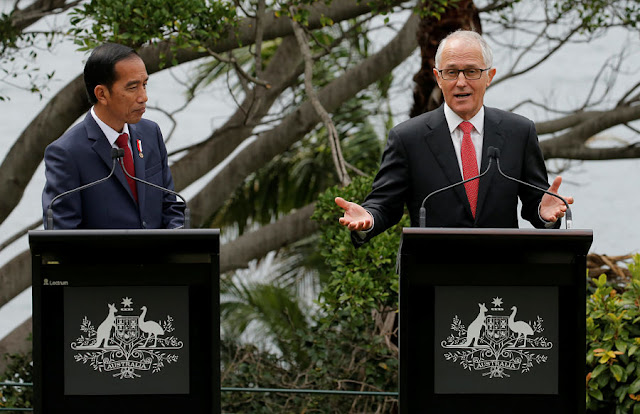 Image Attribute: Indonesian President Joko Widodo (L) participates in a joint press conference with Australian Prime Minister Malcolm Turnbull in Sydney, Australia, February 26, 2017. REUTERS/Jason Reed