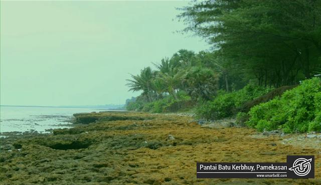 Pantai Batu Kerbhuy, Pamekasan | Umar Fadil