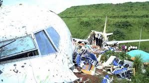 Un avión ultraligero chocó en pleno vuelo con otra avioneta  en Francia